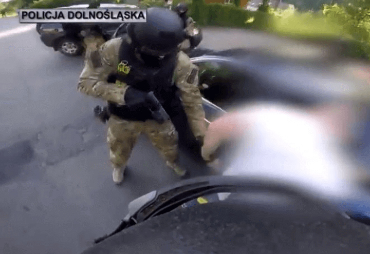 polizia_polacca_truffe_online_youtube_2017