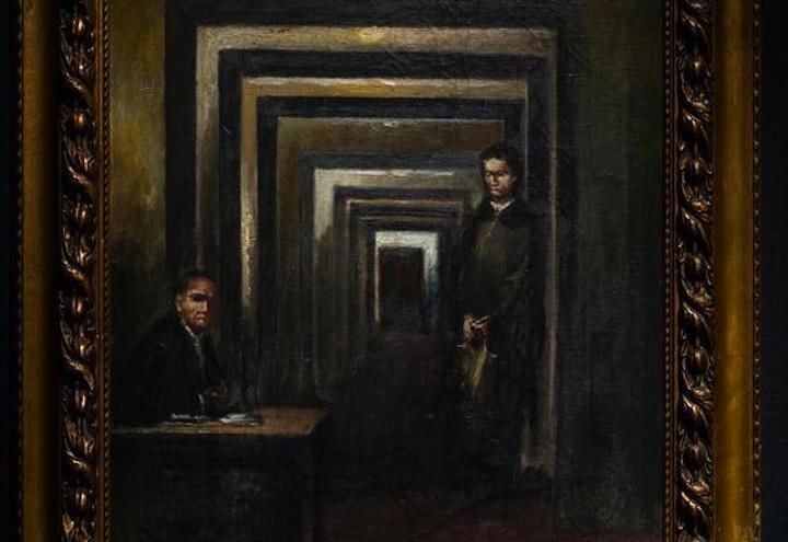 quadro_hitler_uomo_tenta_di_distruggerlo_al_museo_di_salo
