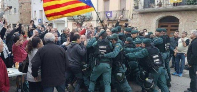referendum_catalogna_voto_barcellona_indipendenza_scontri_polizia_twitter_2017