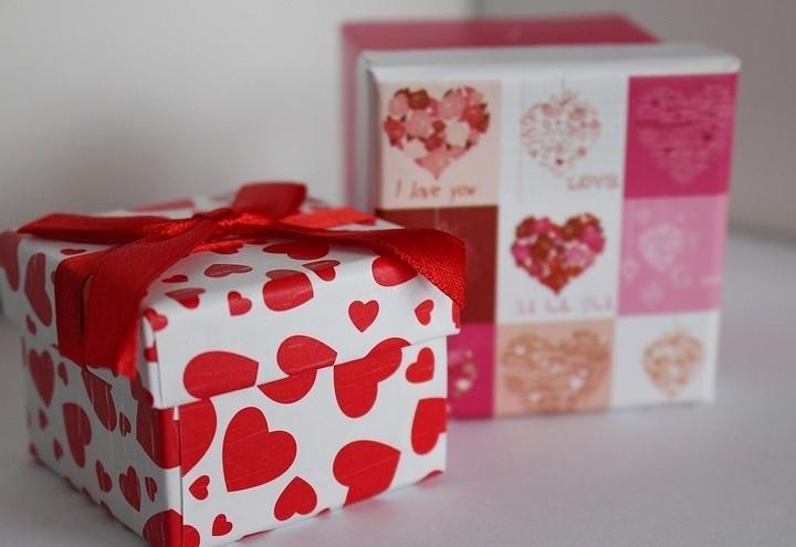 regalo_cuori_san_valentino_pixabay