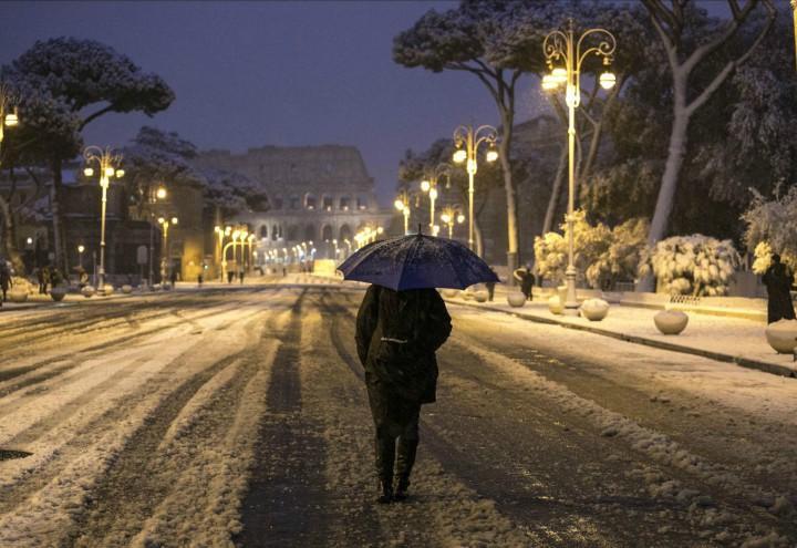 roma_neve_meteo_maltempo_gelo_inverno_colosseo_burian_lapresse_2018