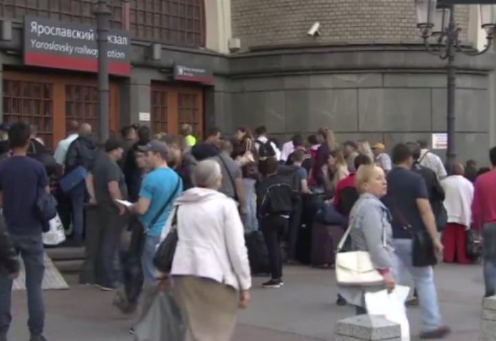 russia_mosca_allarme_bomba_evacuazione_terrorismo_twitter_2017