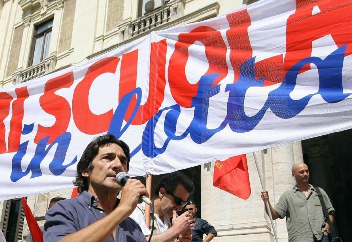 scuola_docenti_protesta_lapresse_2011