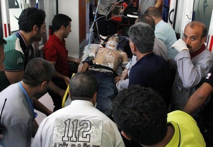 siria_turchia_guerra_bomba_feriti_lapresse_2018