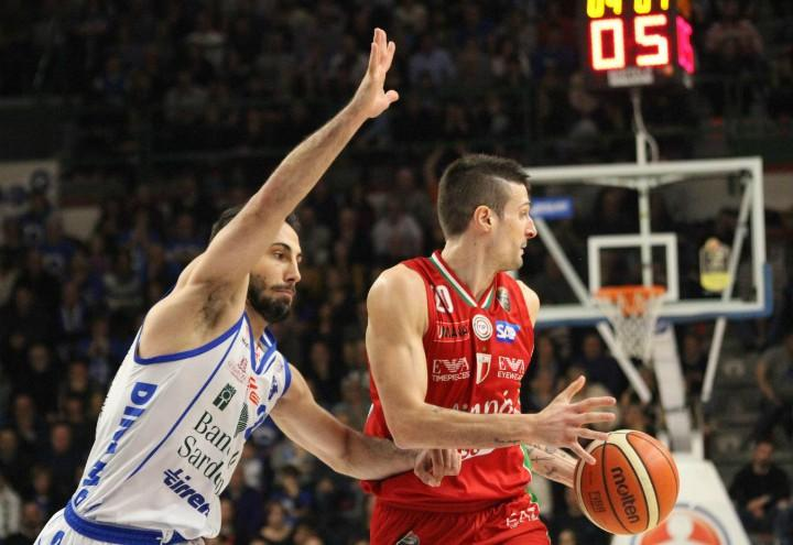 stipcevic_cinciarini_sassari_olimpiamilano_basket_lapresse_2017