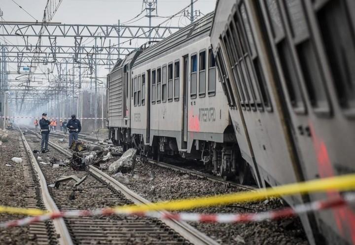 treno_incidente_ferrovie_deragliamento_3_lapresse_2018