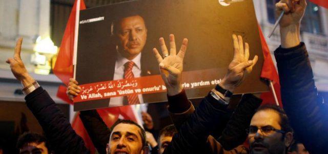 turchia_erdogan_folla_1_lapresse_2017