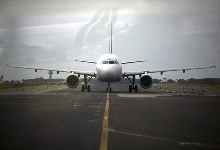 Aereo_aeroporto_alitaliaR439