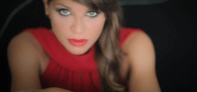 Alessandra_Amoroso_Amore_puro2