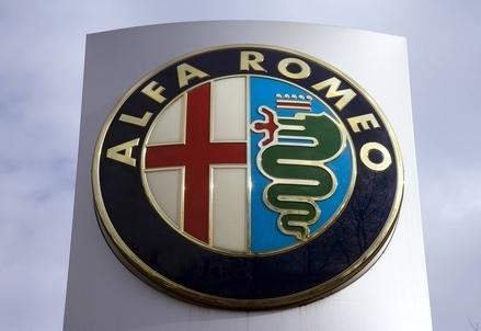 Alfa_Romeo_SimboloR439