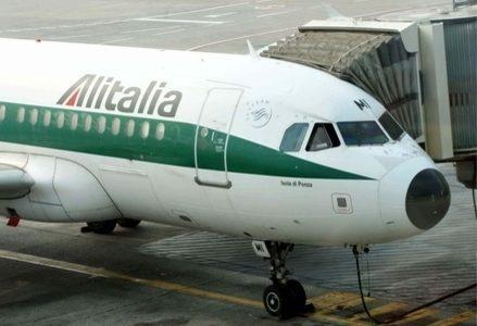 Alitalia_Finger_PortaR439