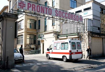Ambulanza_ospedale_439
