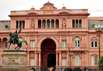 Argentina-Casa_Rosada_Nicolas_Maia_R439