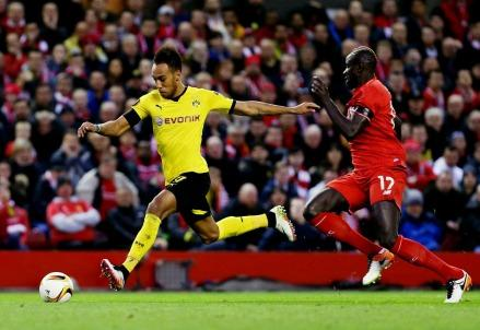 Aubameyang_Borussia_Dortmund_Liverpool_sakho
