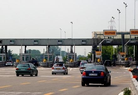 Autostrada_Casello_R439