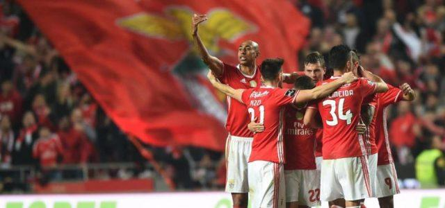 Benfica_bandierone