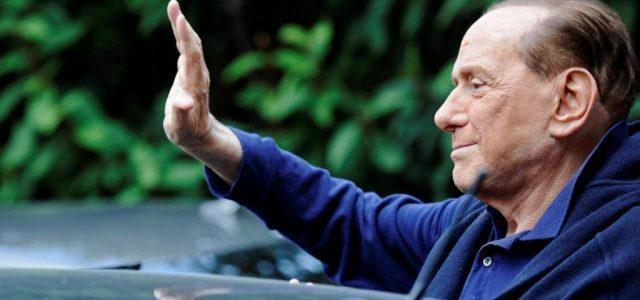 Berlusconi_saluto