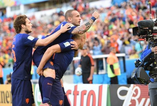 Blind_Sneijder