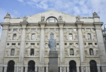 Borsa_Piazza_Affari_Love_R439