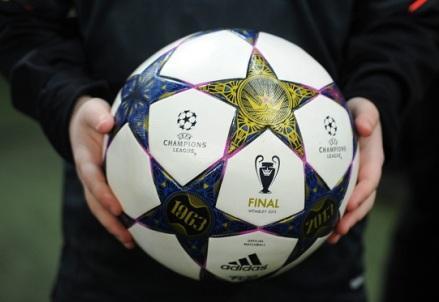 Champions_pallone_R400