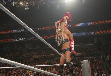 Charlotte_wrestling