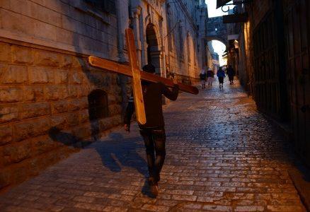 Cristo-croce-via-Crucis