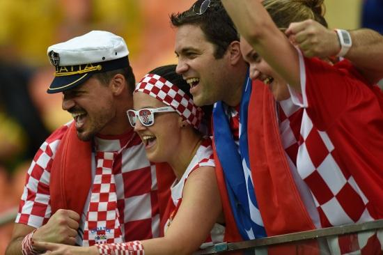 Croazia_tifosi_occhiali