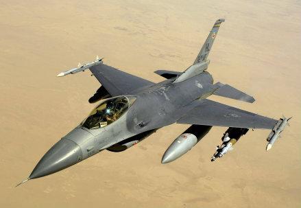 F-16_R439