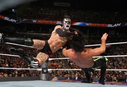 Finn_Balor_Rollins_wrestling