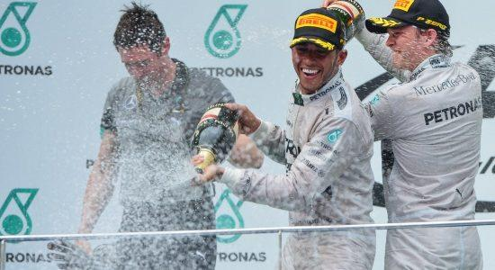 HamiltonRosberg_champagne