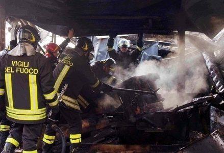 Incendio_PompieriR439