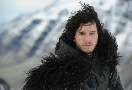 Jon_Snow_trono_spade_Thrones