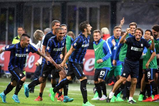 Joveticurla_Inter