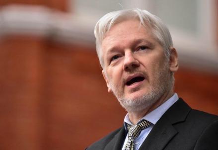 Julian_Assange_wikileaks_manning