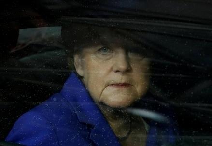 Merkel_FinestrinoR439