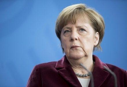 Merkel_Viola_R439