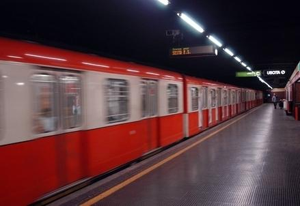 Metropolitana_Milano_AtmR439