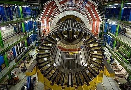 Musso_01_Apertura-LHC_439x302_ok