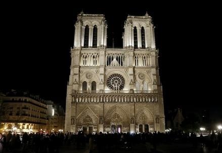 NotreDame_Parigi_NotteR439