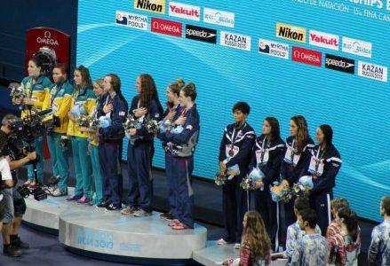 Nuoto_podio_R400