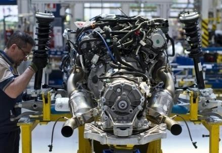 Operai_Motore_Industria_LavoroR439