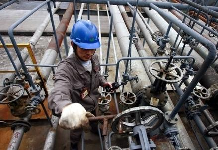 Petrolio_Operaio_RubinettoR439