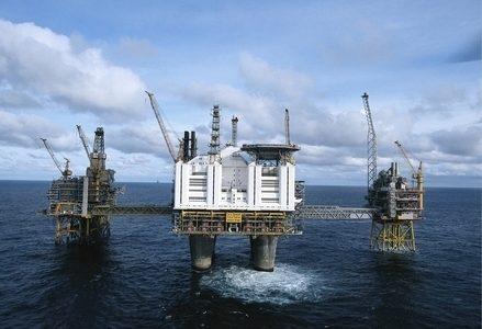 Petrolio_piattaforma_mareR439