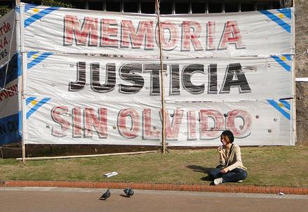 Plaza_Mayo_CC_AdamJones_R439