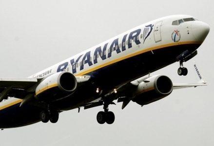 Ryanair_Aereo_R439