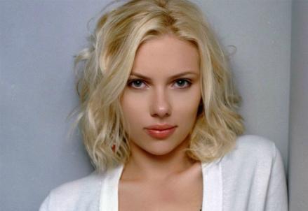 Scarlett_Johansson_R439