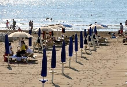 Spiaggia_OmbrelloniR439