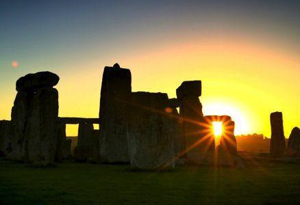 StonehengeSunrise_R439