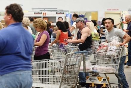 Supermercato_Carrelli_CodaR439