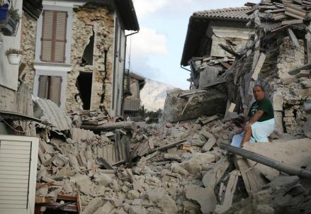Terremoto_lazio_centro_italia_amatrice_danni_case_distrutte